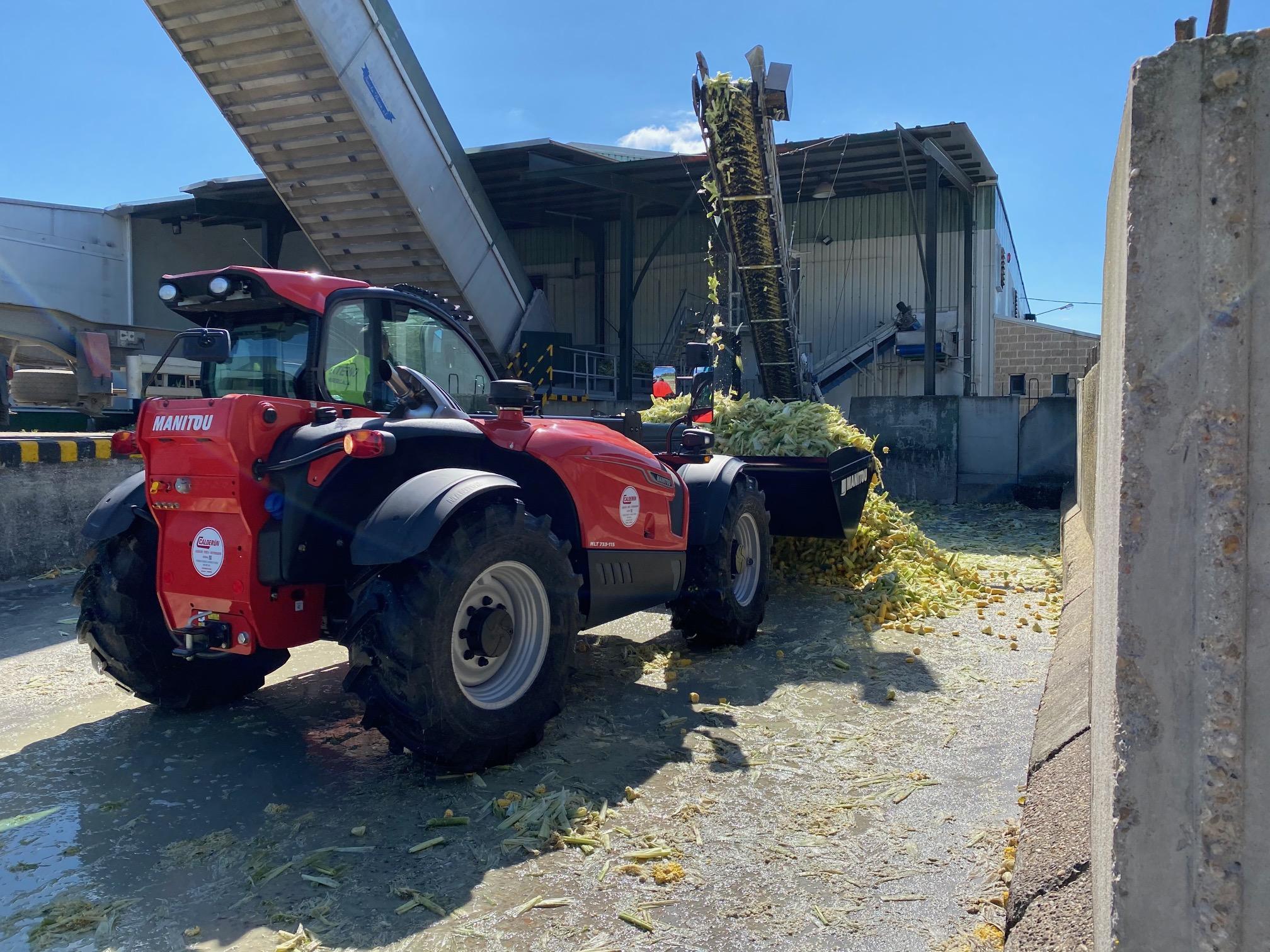 Entrega de una nueva Manitou MLT 733-115 LSU en Segovia a AGREX Alimentación Animal