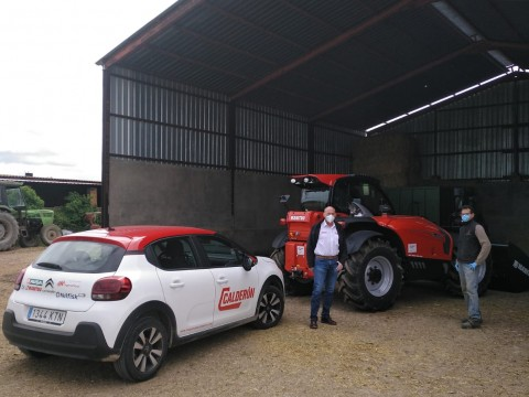 Nueva entrega de un manipulador telescópico agrícola MANITOU en Ávila