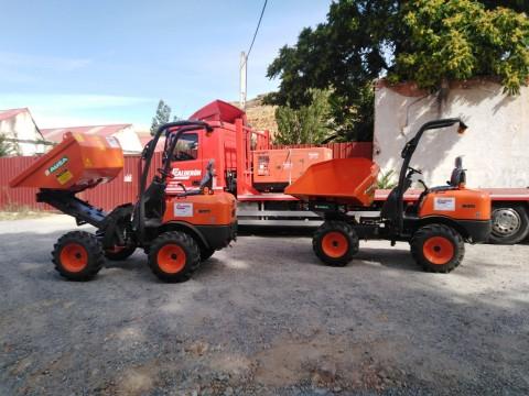 Entrega de nueva maquinaria de construcción para un cliente fiel en Segovia